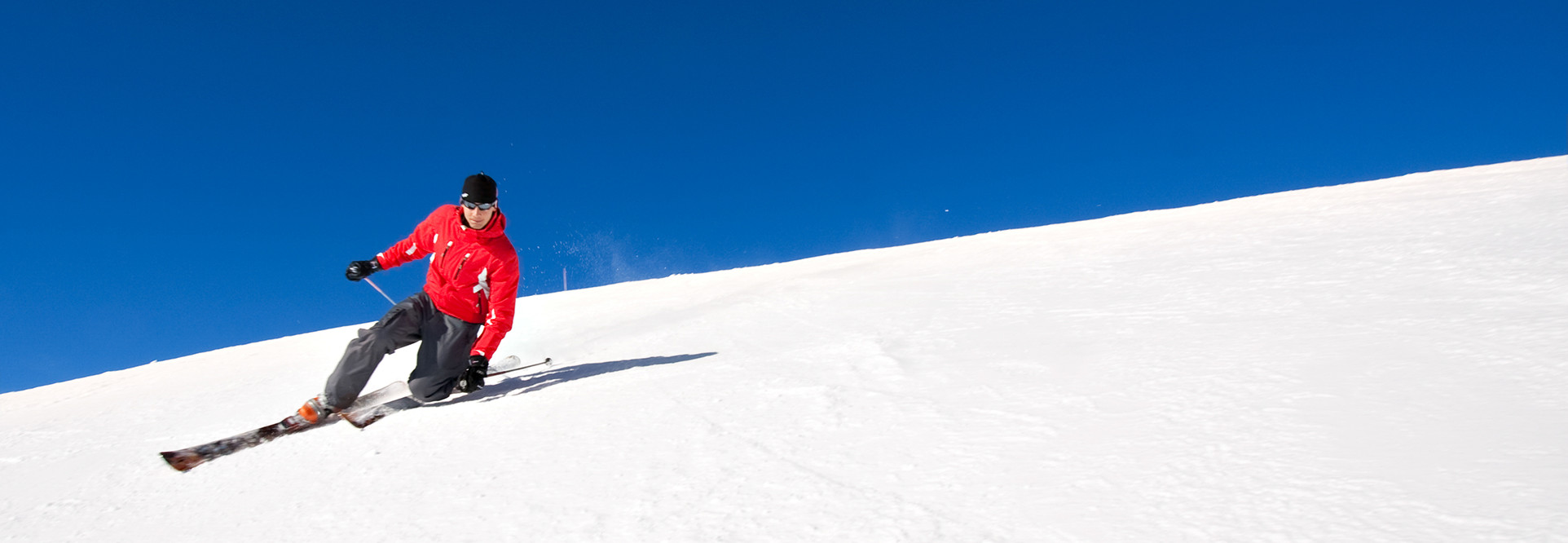 healthy man skiing in north vancouver and staying active