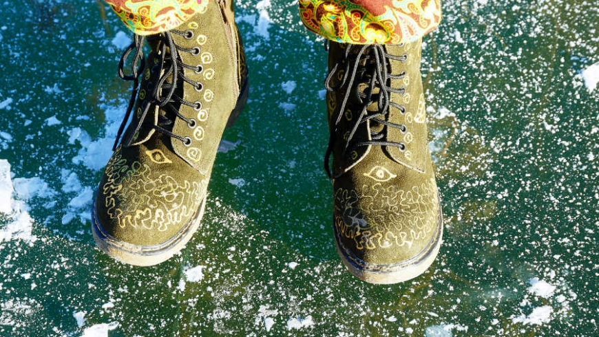 3 Ways to Avoid Injury When Walking on Ice