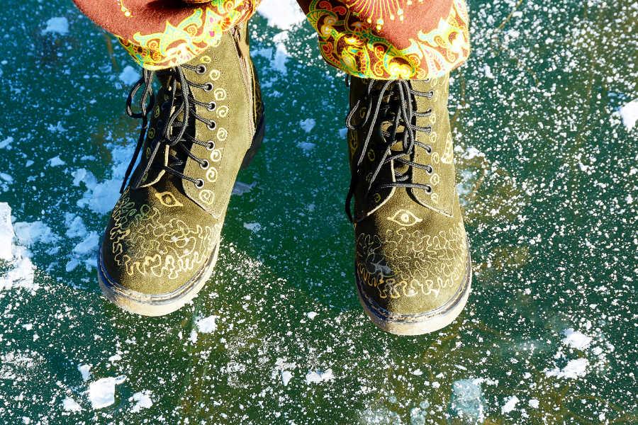 3 Ways to Avoid Injury When Walking on Ice